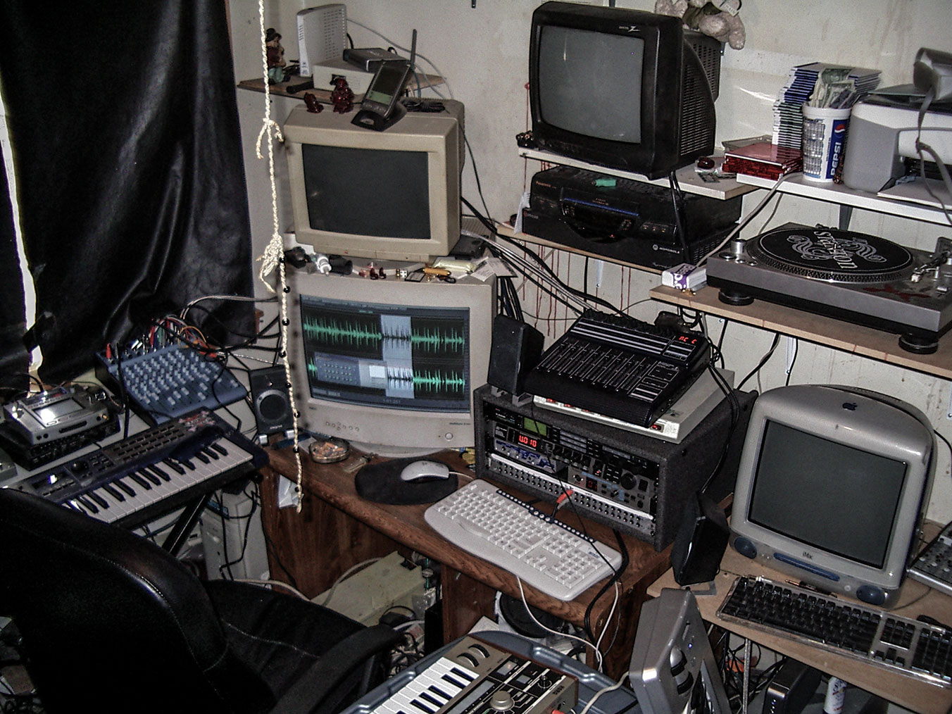 In the studio with Benn Jordan | Headphone Commute